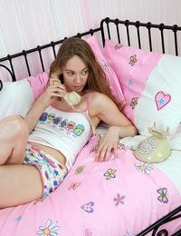 Sexy phone sex loving teenage sweetheart masturbates cooch